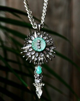 Star Silver rhinestone contemporary vintage necklace